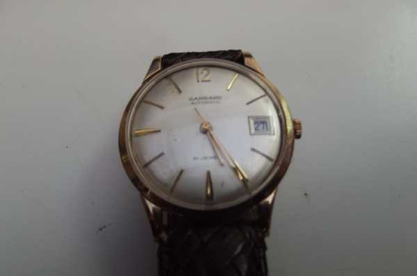 9K SOLID GOLD GENTS AUTOMATIC CALENDAR WRIST WATCH GARRARD