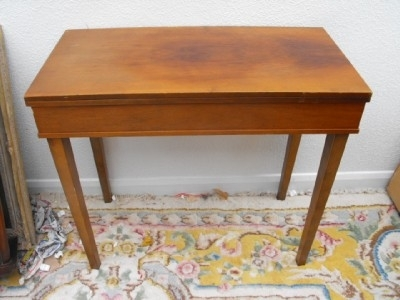 ART DECO WALNUT GAMES/ CARD TABLE