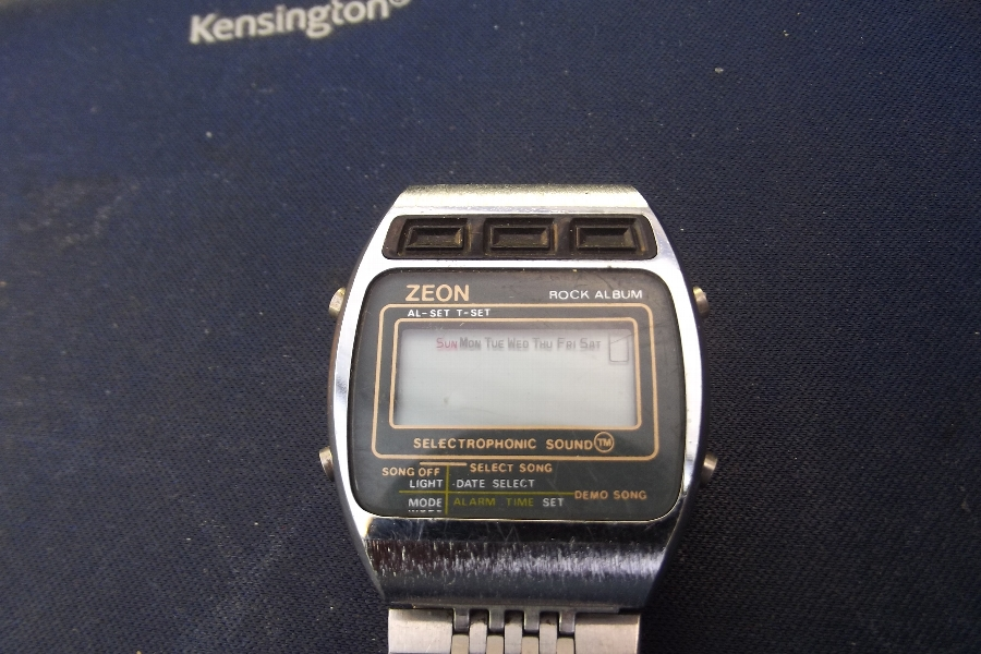 Wristwatch mans Zeon retro 70's LCD