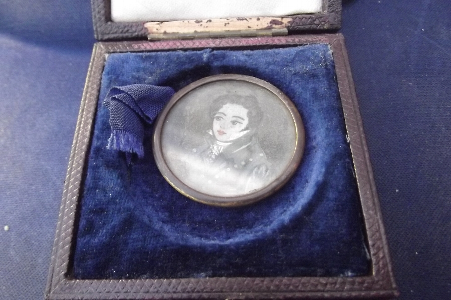 Antique Painting of Georgian gentleman on ivory minature
