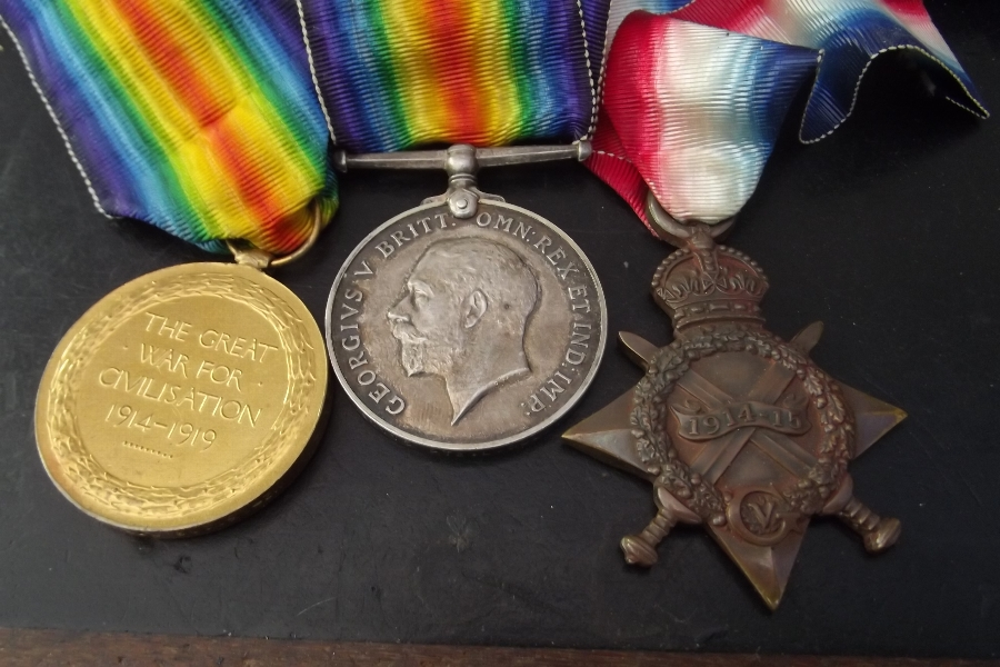 Antique 1ww British army trio of medals.