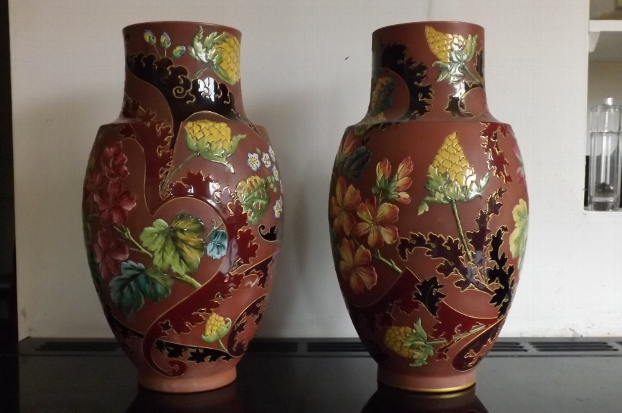 Sarrfglemines Vases large highly decorated rare items of quality Victorian