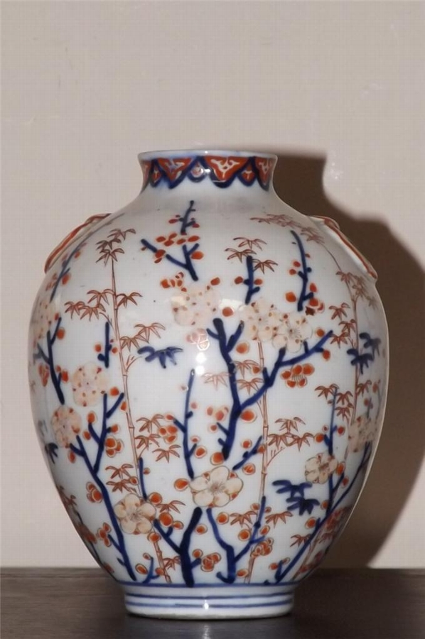 Chinese vase rare & early.---B18