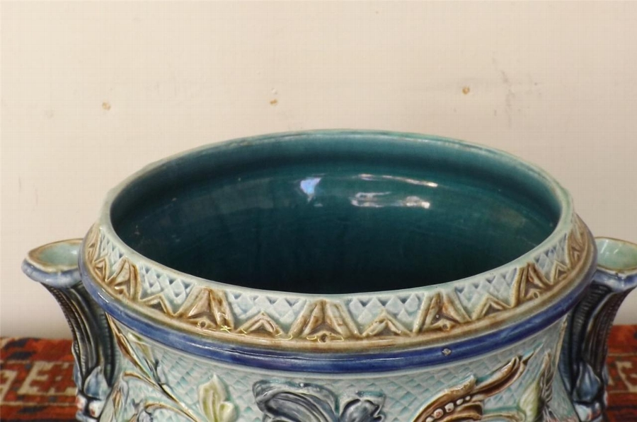 Antique Majolica Jardinnere with side spills rare and fantastic item Victorian. B19