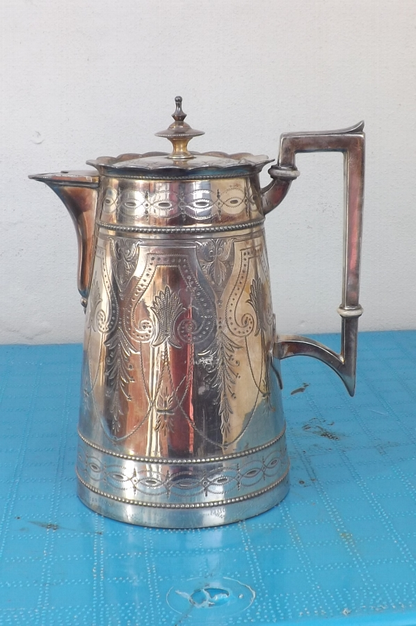 Coffee Pot Victorian Silver Plate nicely decorated in very good condition--B29.