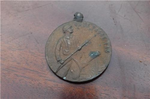 Verdun 1ww French medal. Comes with Free UK post.