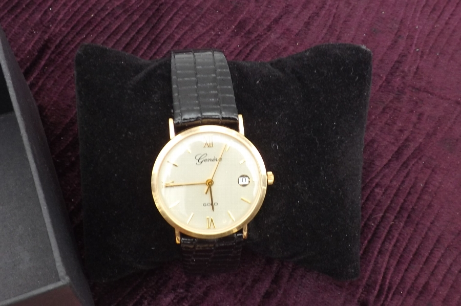 Mans wristwatch 9ct Gold Geneve with date. CC