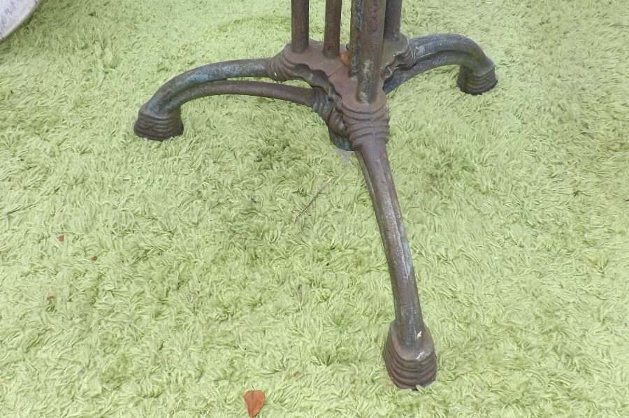Antique top marble, garden or patio table Victorian spider legged colbrookdale base
