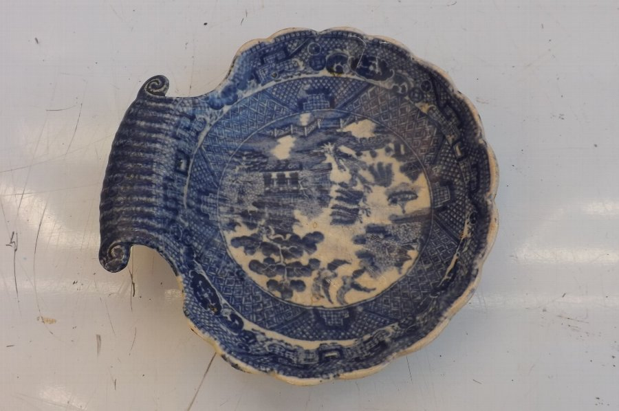 Worcester Caughly Doctors Blood Letting dish 18th century. B24