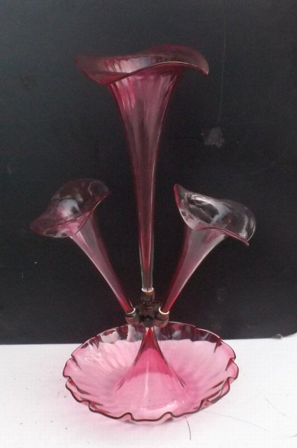 Eperne Cranberry glass