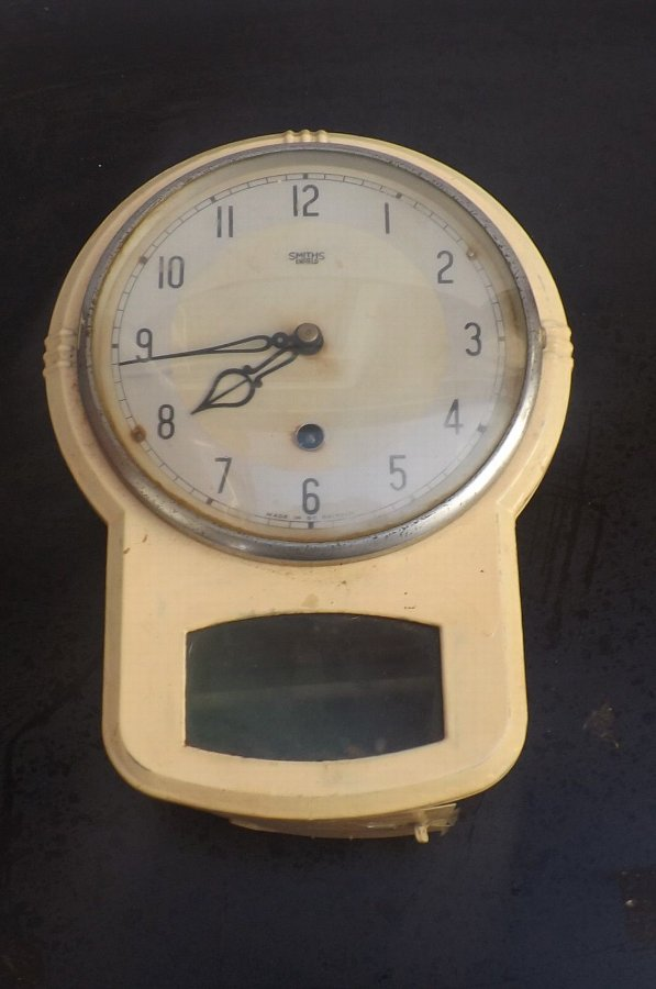 Smiths wall Clock 8 day mechanical movement in good working order. HS