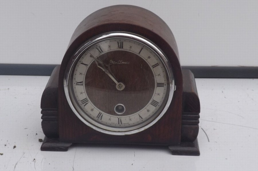 Clock oak cased timepiece