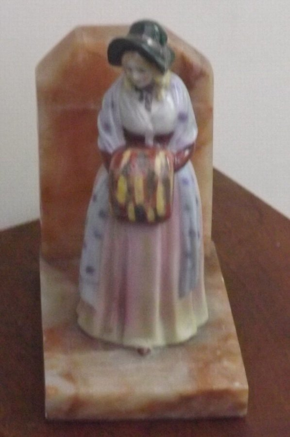 Georgian dress lady on marble stand