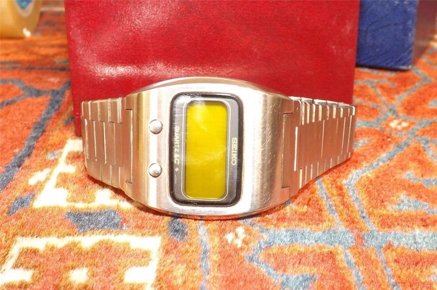 LCD lemon faced stainless steel retro rare mans watch comes in working order