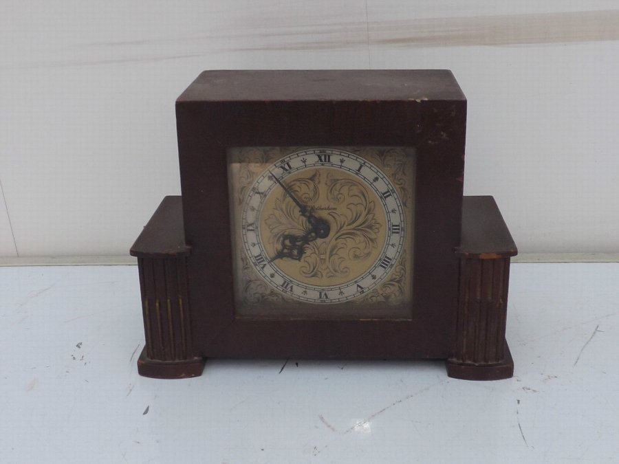 antique mantle clock mahogany with Rotherham eight day mechanical movement