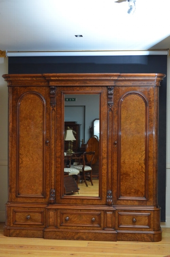 Antique Stunning Early Victorian Triple Wardrobe sn3132