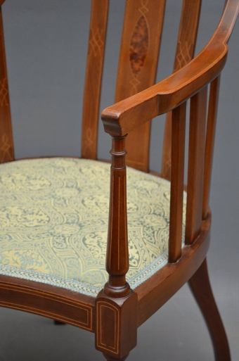 Antique Stylish and elegant Edwardian Armchair