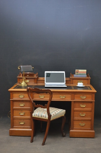 Antique Superb Victorian Desk By Maple & Co Sn3145
