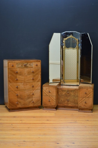 Antique Stylish Art Deco Bedroom Set in Walnut sn3351