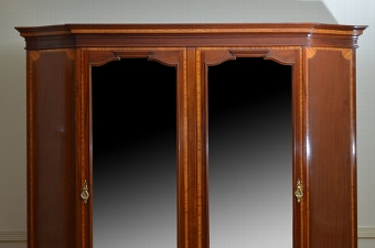 Antique Exceptional Edwardian Mahogany and Inlaid Wardrobe Sn3428