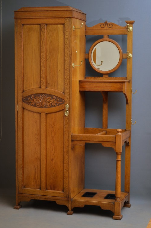 Attractive Early XX Century Oak Hall Wardrobe sn2992