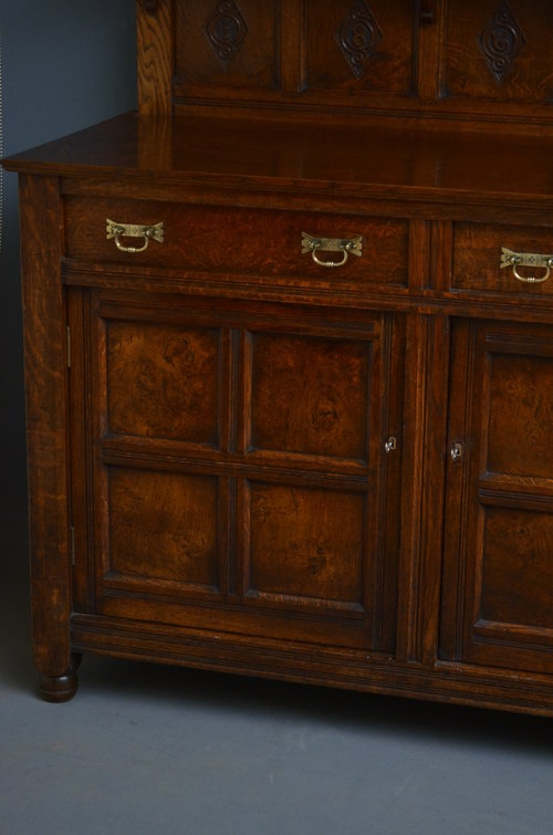 Antique Excellent Quality Arts and Crafts Oak Sideboard Sn3161
