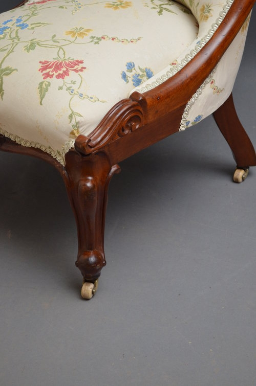 Antique Victorian Nursing Chair in Mahogany Sn034