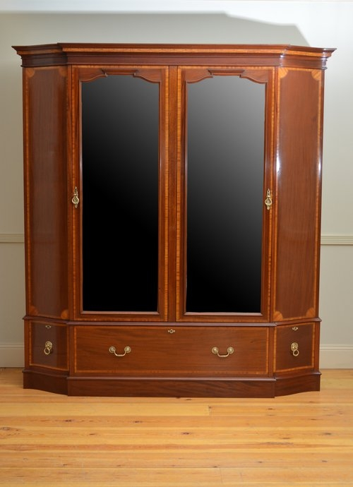 Exceptional Edwardian Mahogany and Inlaid Wardrobe Sn3428