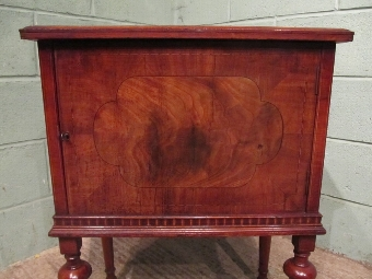 Antique ANTIQUE EDWARDIAN MAHOGANY POT CUPBOARD BEDSIDE CABINET W7318/25.2