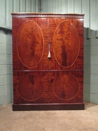Antique ANTIQUE REGENCY MAHOGANY LARGE DOUBLE WARDROBE C1820 W7368/11.3