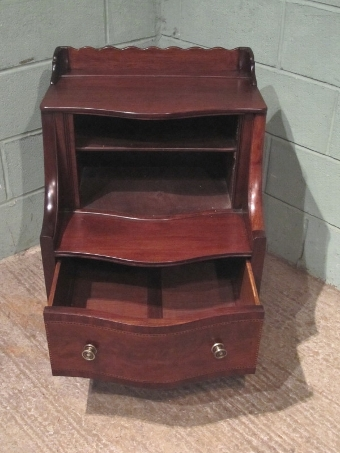 Antique ANTIQUE GEORGIAN REGENCY MAHOGANY BEDSIDE CABINET W7392/18.3
