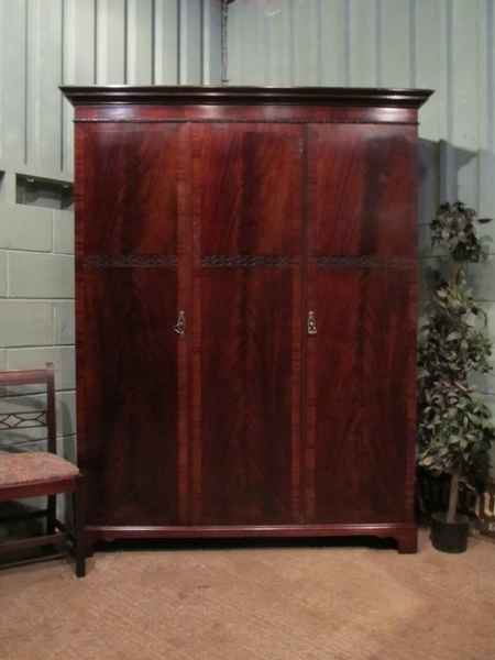 Antique ANTIQUE EDWARDIAN MAHOGANY TRIPLE WARDROBE W6965/20.6