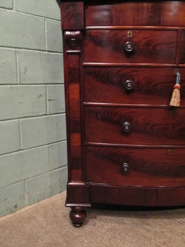Antique Antique Victorian Mahogany Bow Front Scotch Chest of Drawers w7081/8.10