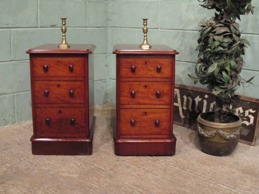 ANTIQUE PAIR VICTORIAN MAHOGANY BEDSIDE CHEST OF DRAWERS W7115/15.10