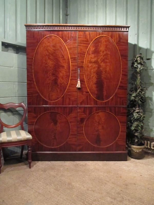 ANTIQUE REGENCY MAHOGANY LARGE DOUBLE WARDROBE C1820 W7368/11.3