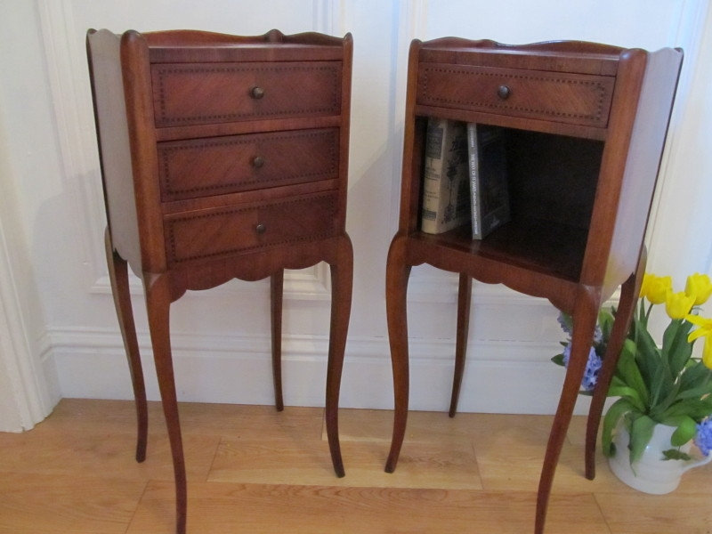 ANTIQUE FRENCH PAIR MAHOGANY PARQUETRY BEDSIDE CHESTS BY HUGNET PARIS WJ10/1.4
