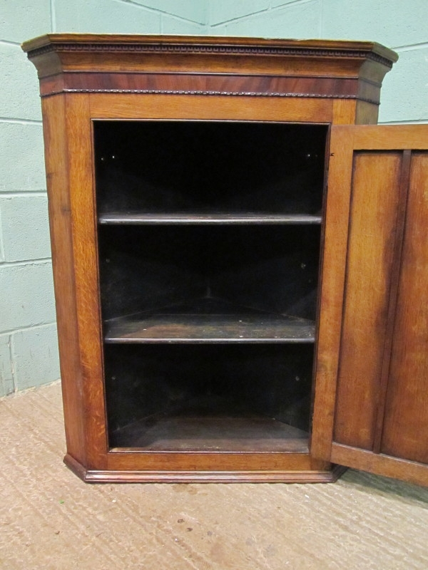 Antique ANTIQUE 18TH CENTURY GEORGIAN OAK & MAHOGANY CORNER CABINET C1780 W7345/10.6