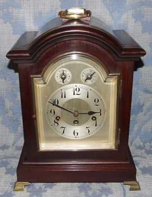 Antique Antique Mahogany Westminster Chime Bracket Clock CHIME / SILENT : DARLINGTON