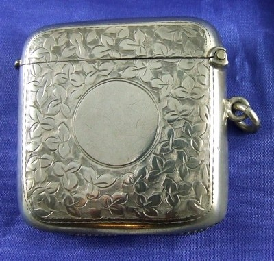Antique Antique J & R Griffin HALLMARKED CHESTER Silver Vesta Case / Match Striker 1918