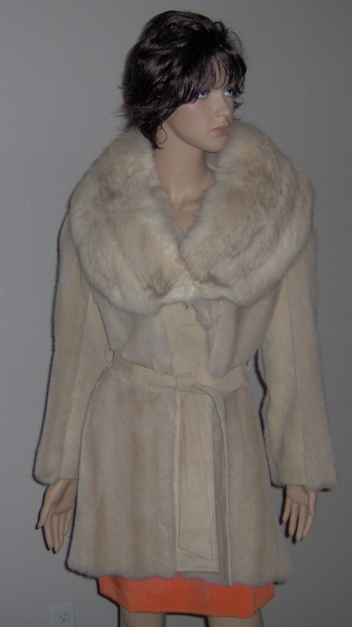 Antique BOXING DAY SALE !!!!!    Gorgeous Faux Fur and Leather Coat with FOX Fur Collar - Size S