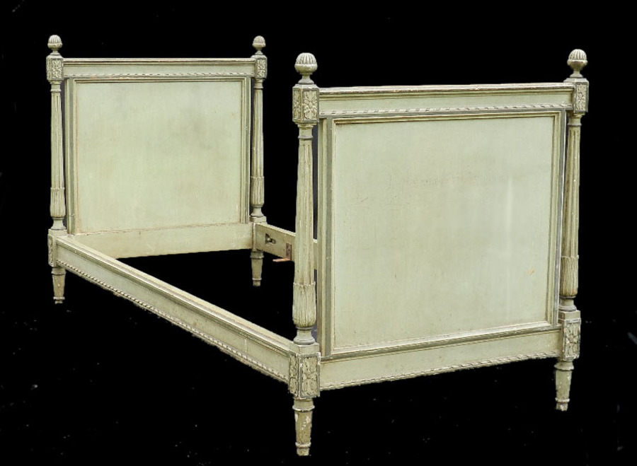 Epoque French Louis XVI Directoire Daybed Single Bed Sofa Childs original paint