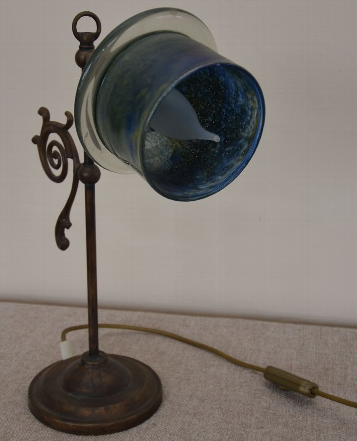 Pretty Bronze shell art deco lamp
