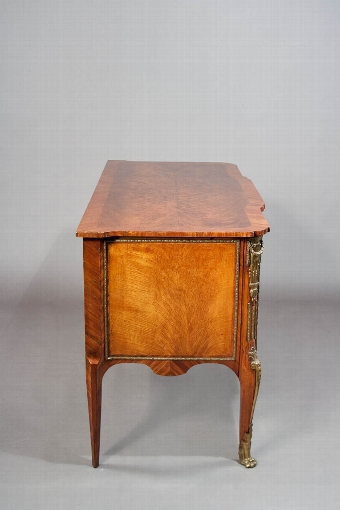 Antique Exceptional Quality 18th Century Commode