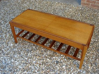 Antique A STUNNING VINTAGE RETRO DANISH | EAMES | TEAK EXTENDING TILED COFFEE TABLE