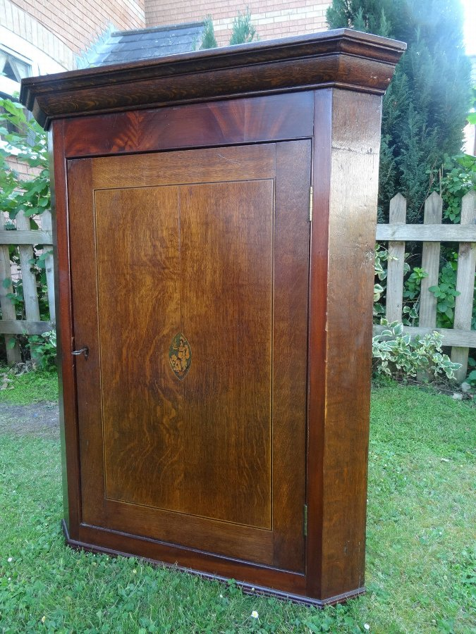 Antique A SUPERB ALL ORIGINAL GEORGE III MARQUETRY COUNTRY OAK & MAHOGANY CORNER CABINET