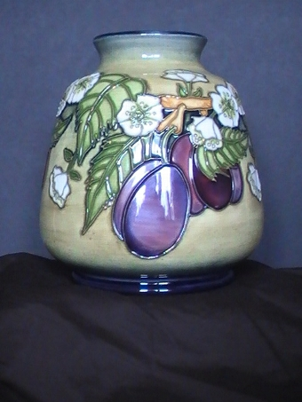 Antique MOORCROFT Plums Vase - date 1999 - Training piece