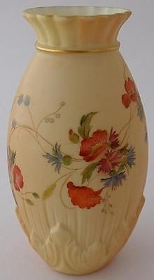 Antique Attractive Royal China Works Worcester Blush Ivory Vase With Floral Decoration