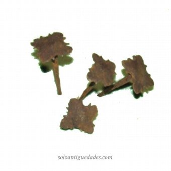 Antique Wrought nail with flower-shaped head (5 pcs)