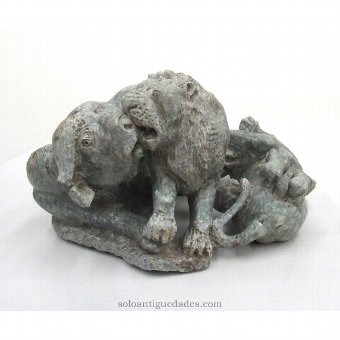 Antique Sculptural group hunting lions