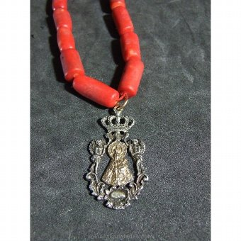 Antique Coral necklace with silver pendant